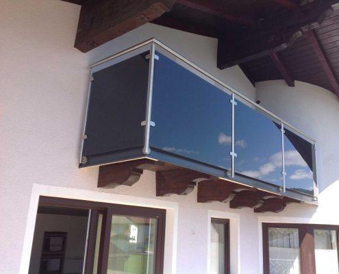 balkongelaender aus glas